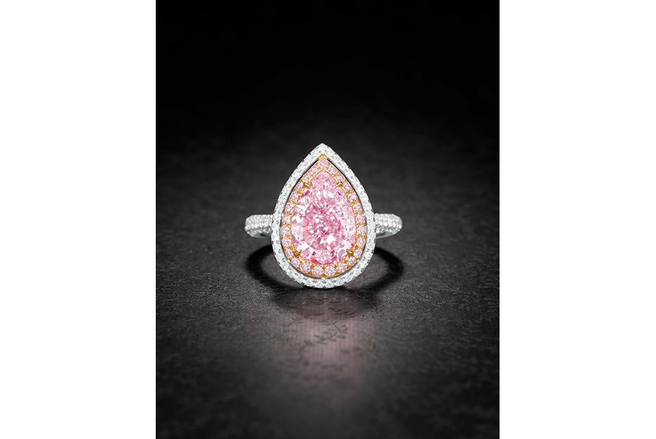 Lot 72 4.07-Carat Natural Fancy Purplish Pink VS2 Clarity Excellent Polish Diamond Ring. Estimate: HK$ 10,500,000 - 15,000,000/US$ 1,346,000 - 1,920,000.