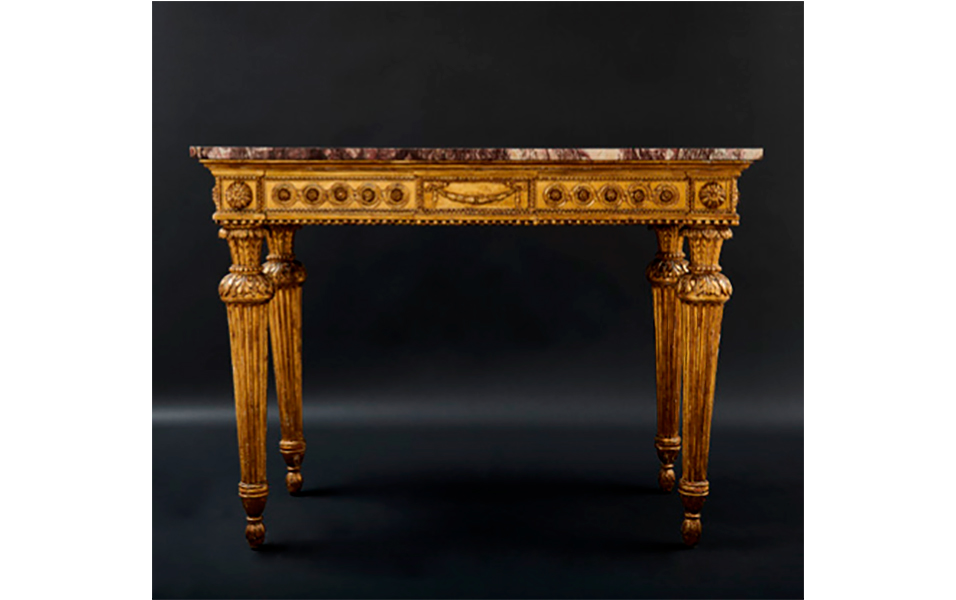 An Italian Louis XVI console, circa 1790. Lot 151, Starting price 4.800 Euro.