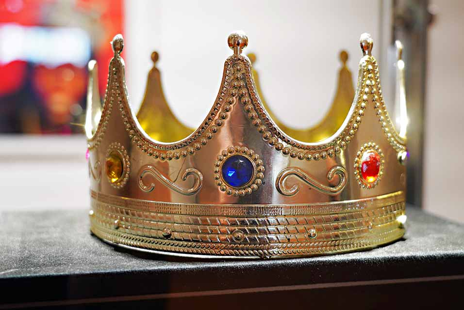 """The crown worn by Notorious B.I.G. when photographed by Barron Claiborne as the King of New York is displayed during a preview at Sotheby's for their Inaugural HIP HOP Auction on September 12, 2020 in New York City. A celebration of the history and cultural impact of Hip Hop, the sale reflects on the impact the movement has had on art and culture from the late 1970s through the """"Golden Age"""" of the mid-1980s to mid-1990s, and up to the present. Cindy Ord/Getty Images/AFP."""