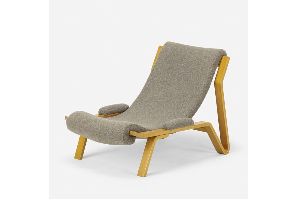 Harvey Probber, Sling chair. Harvey Probber, Inc. USA, 1948. Laminated birch, upholstery 27 w × 43 d × 29½ h in 69 × 109 × 75 cm. Estimate: $3,000–5,000.